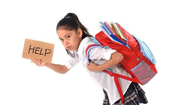 uso correto da mochila escolar